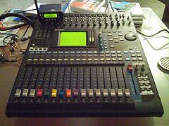 Venta: GIBSON SG SPECIAL 1962, Yamaha 01V96 V2,Roland TD-20S V-Pro Drum Set