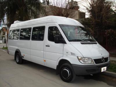 Combis Minibus La Plata a la Feria Traslados Excursiones Compra en Grupo Reserva
